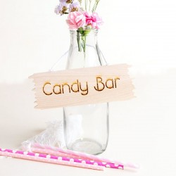 Cartelito rustico de madera Candy Bar