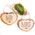 Carteles rústicos para boda: Mr y Mrs